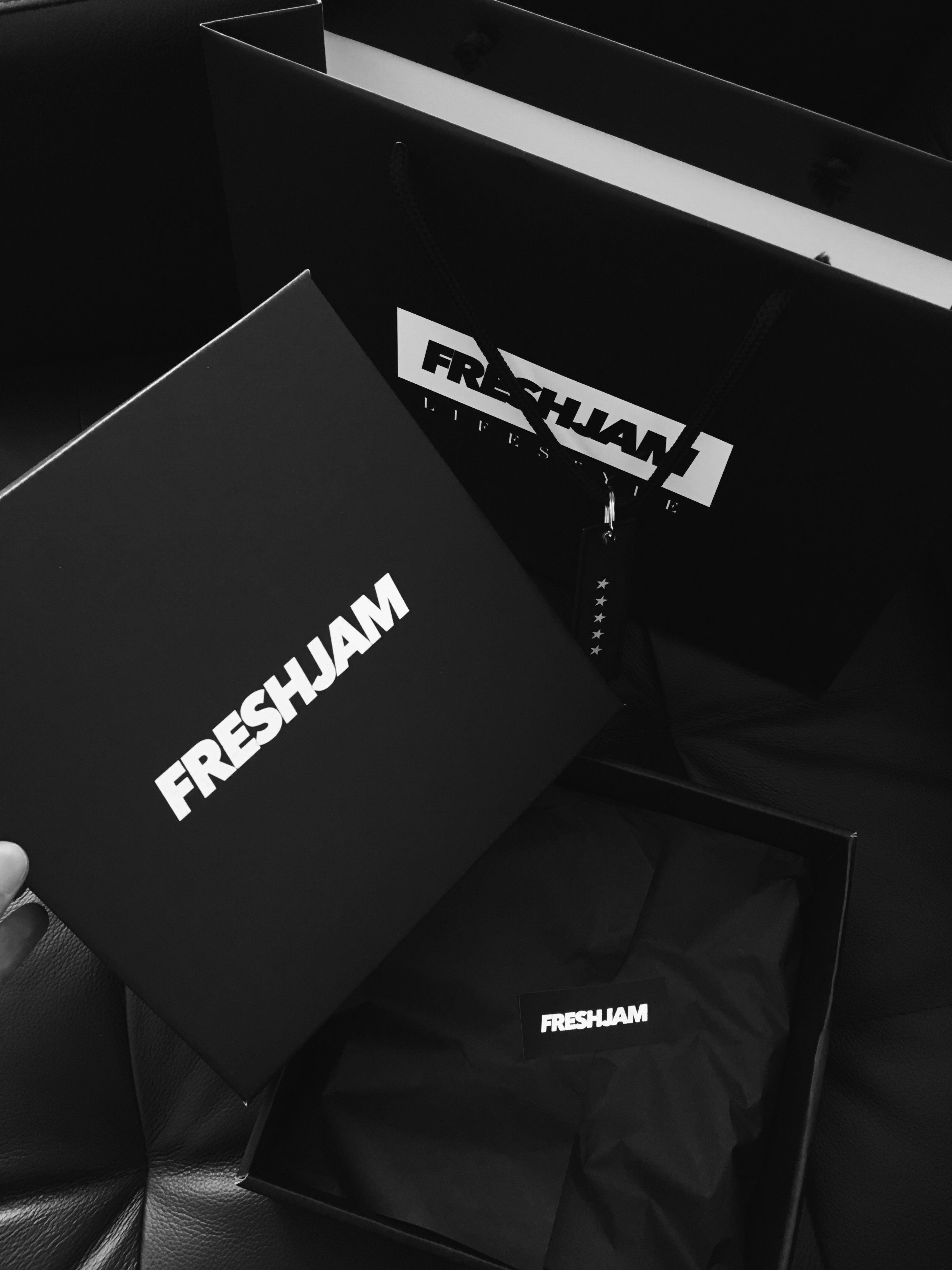 FRESHJAM Box and Bag All Black