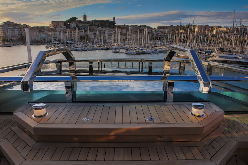 atlante%20-%20sundeck%20spa%20pool