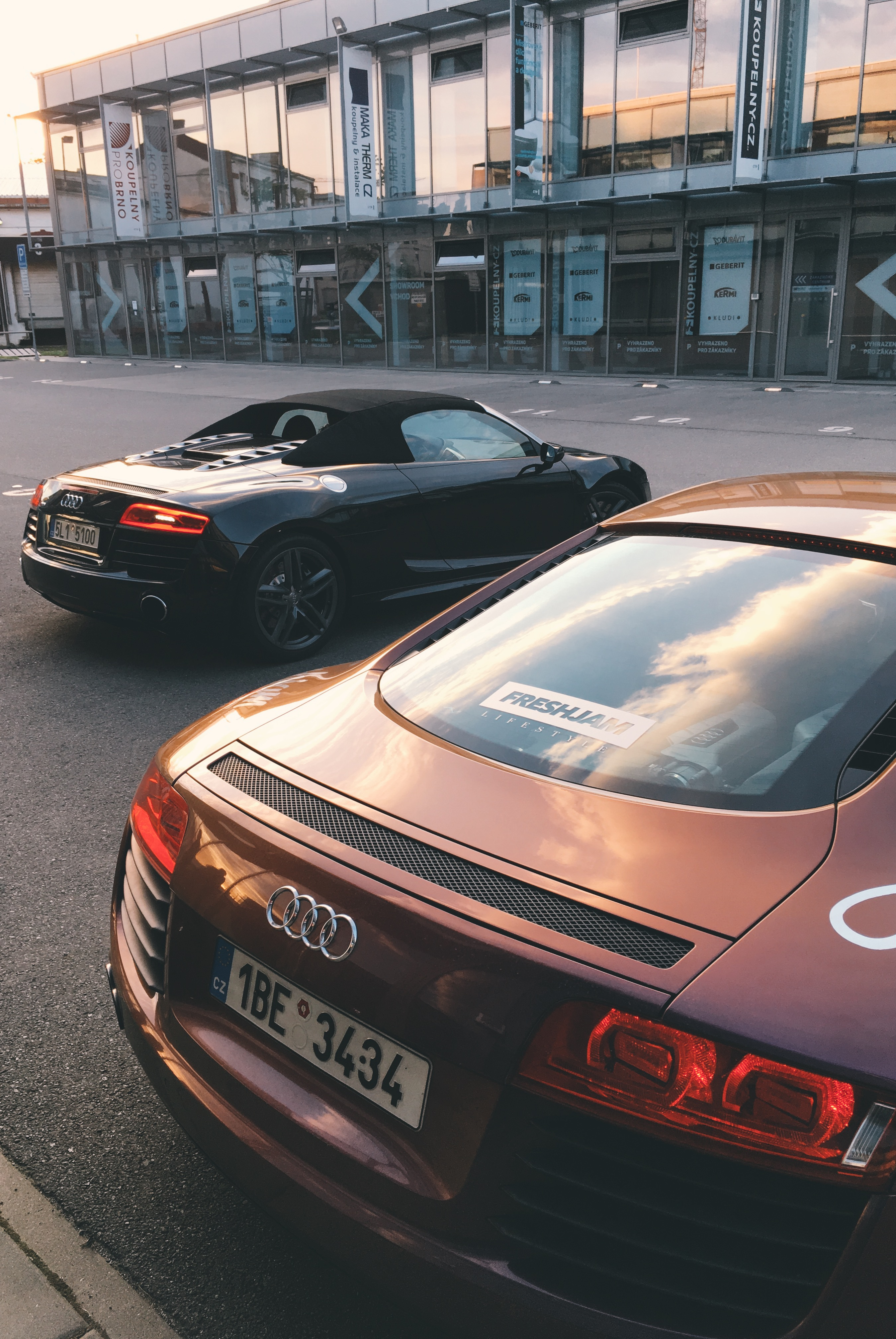 Double R8 Sunset