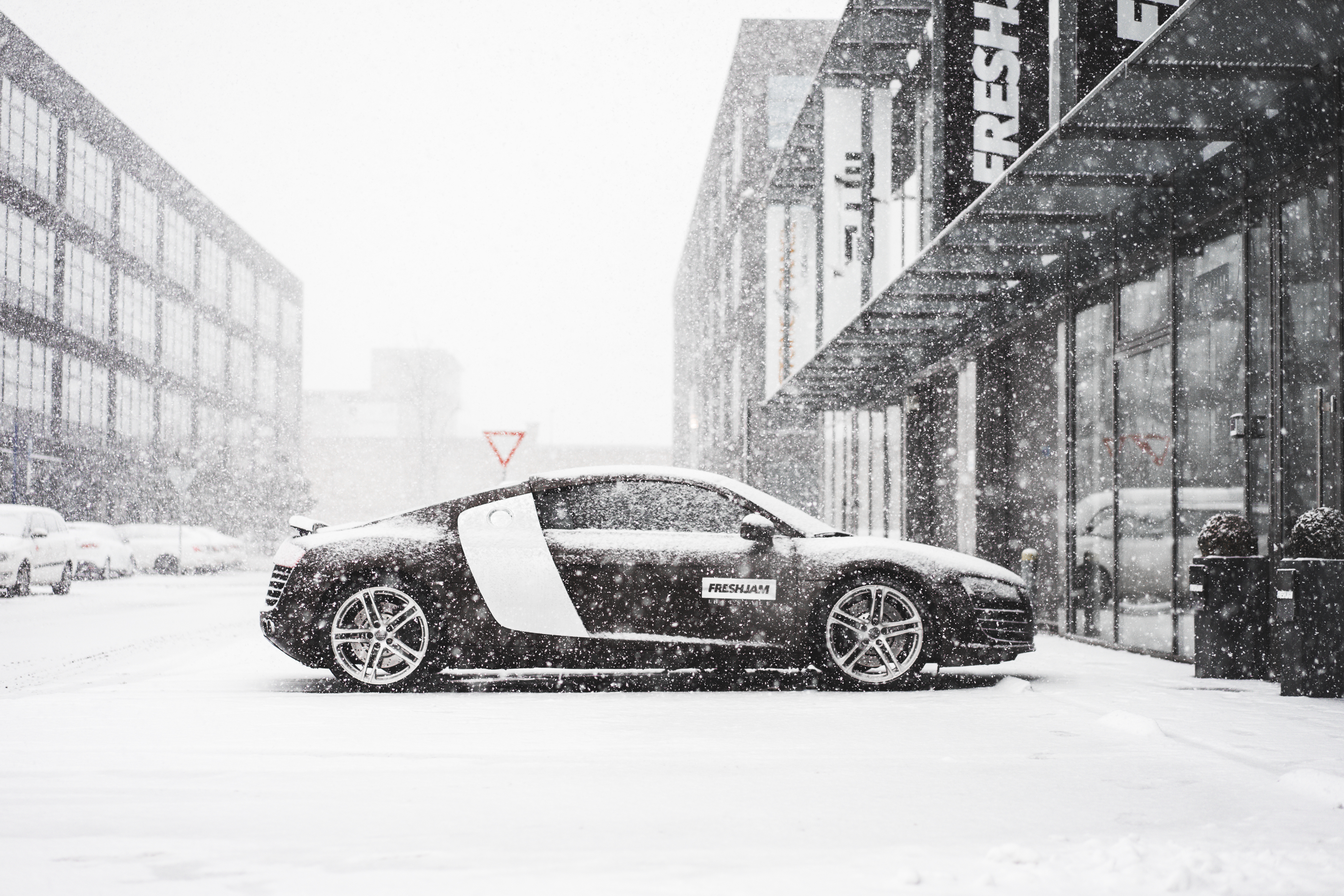 Audi R8 Snow HQ from side