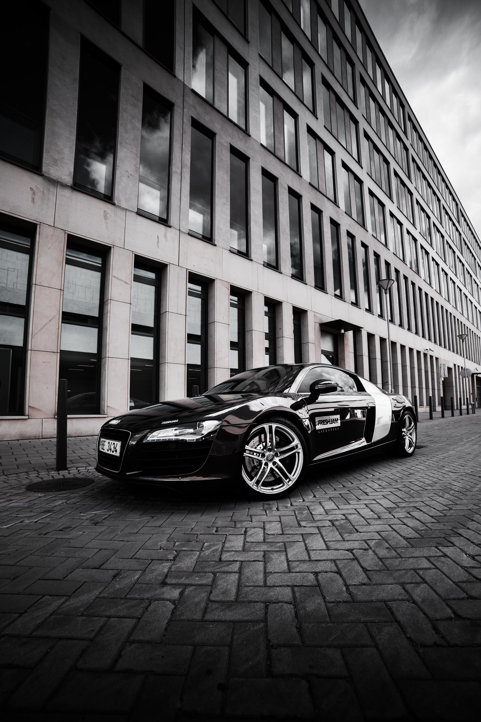 Audi R8 Fish-eye Wallpaper