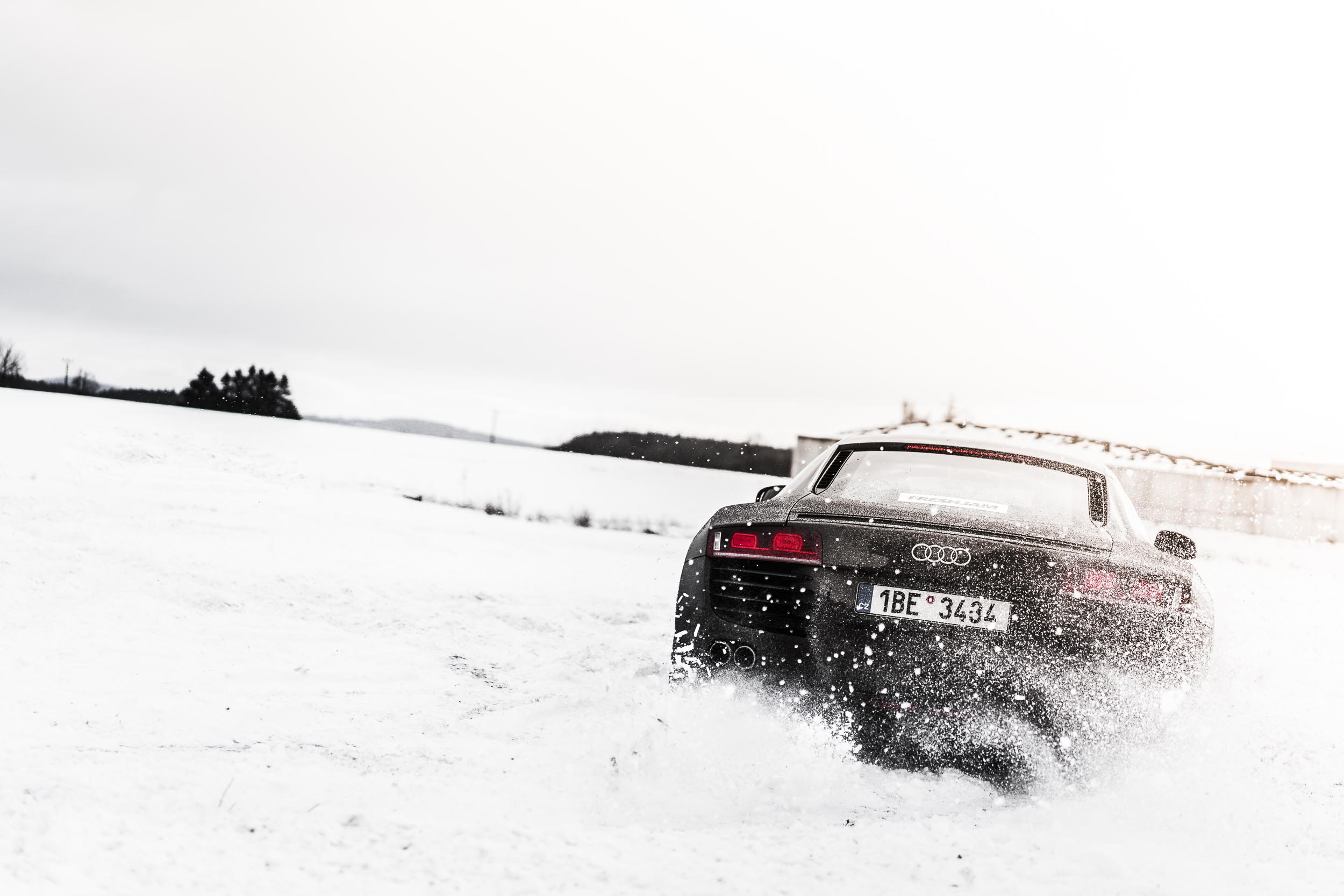 Snow Drift R8 Rear Desktop