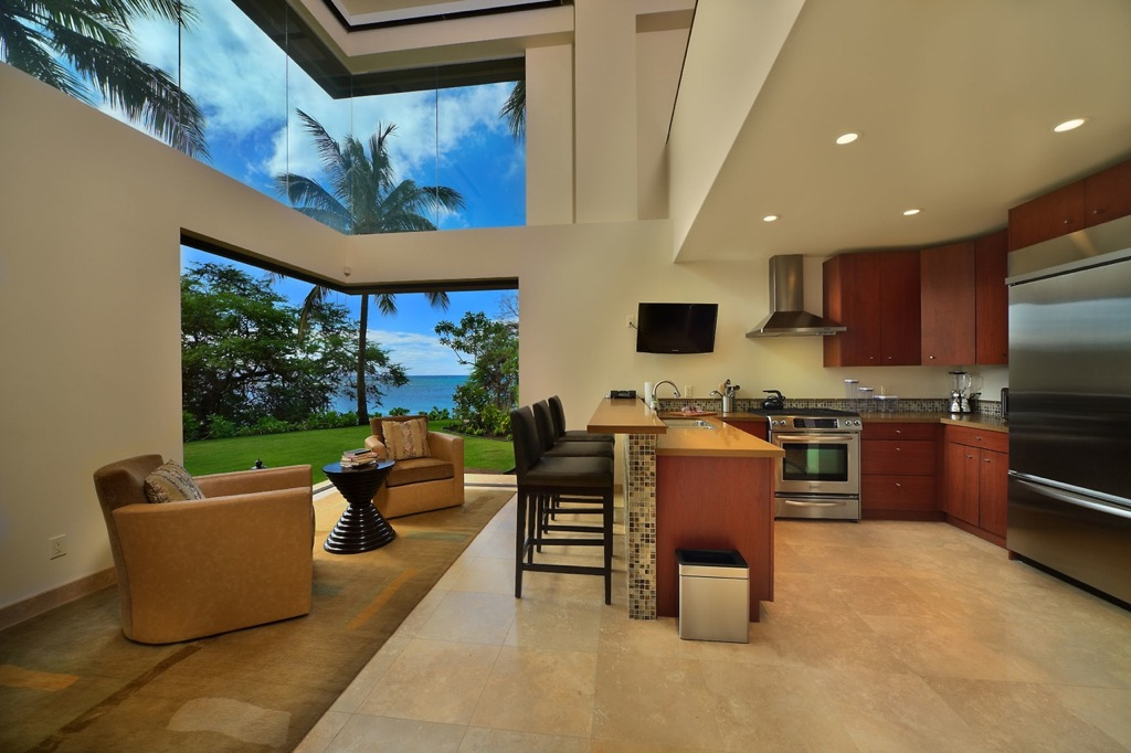 Hawaii-kitchen-lounge