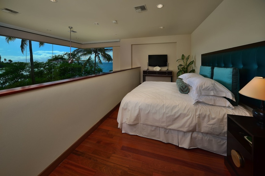 Hawaiian-mezzanine-bedroom