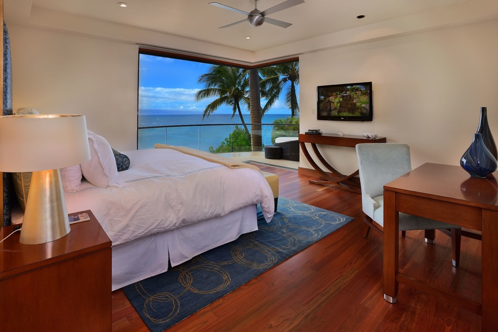 Hawaiian-neutral-bedroom