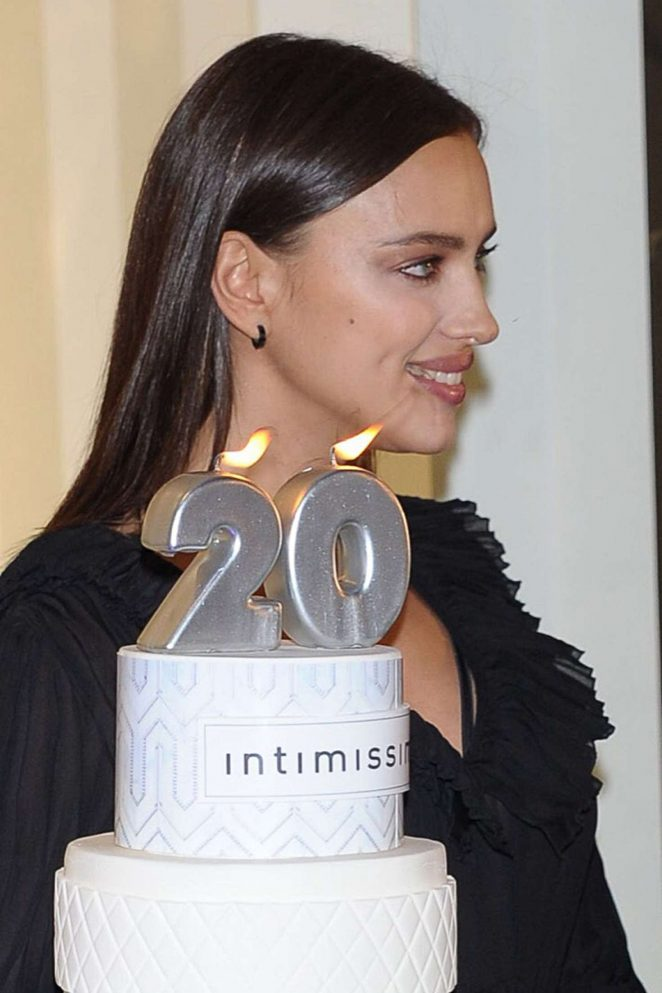 irina-shayk-intimissimi-20-years-celebration-03-662x993