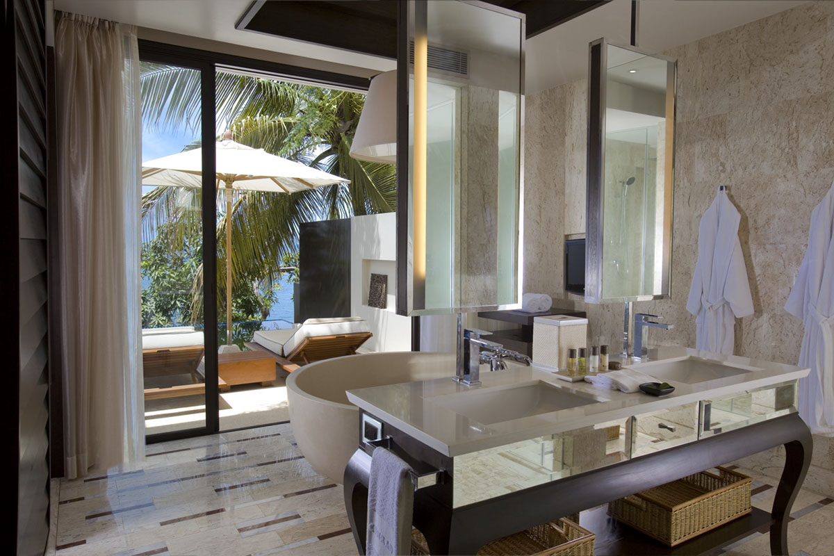 Relax-at-the-Conrad-Koh-Samui-Resort-Spa-04