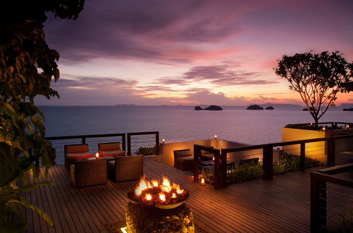 Relax-at-the-Conrad-Koh-Samui-Resort-Spa-14