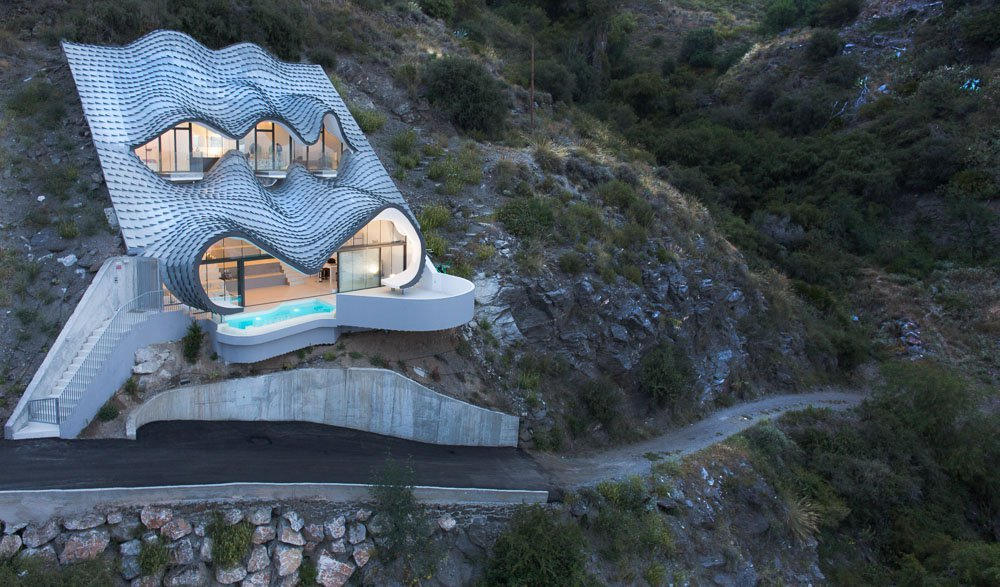 the-house-on-the-cliff-by-gilbartolome-architecture-featured