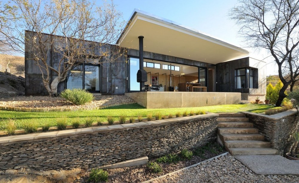 WonderfulRefurbished-house-in-Namibia-1000x613