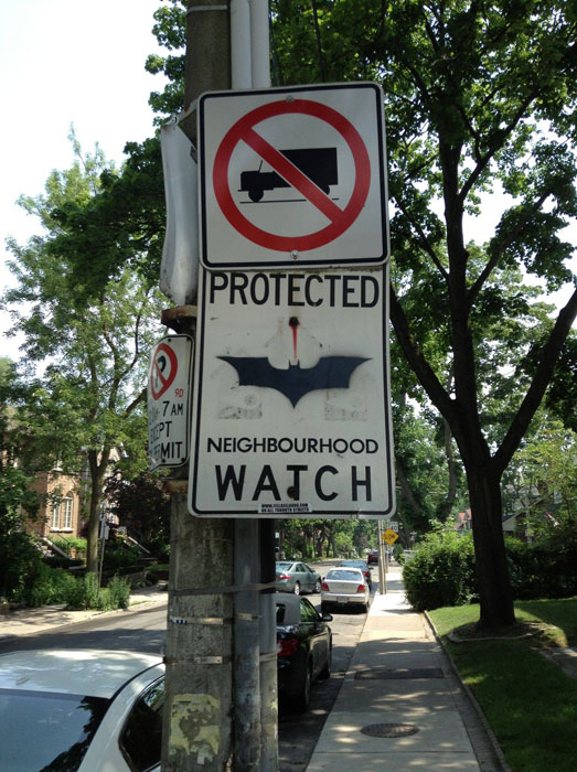 batman-neighborhood-watch-sign
