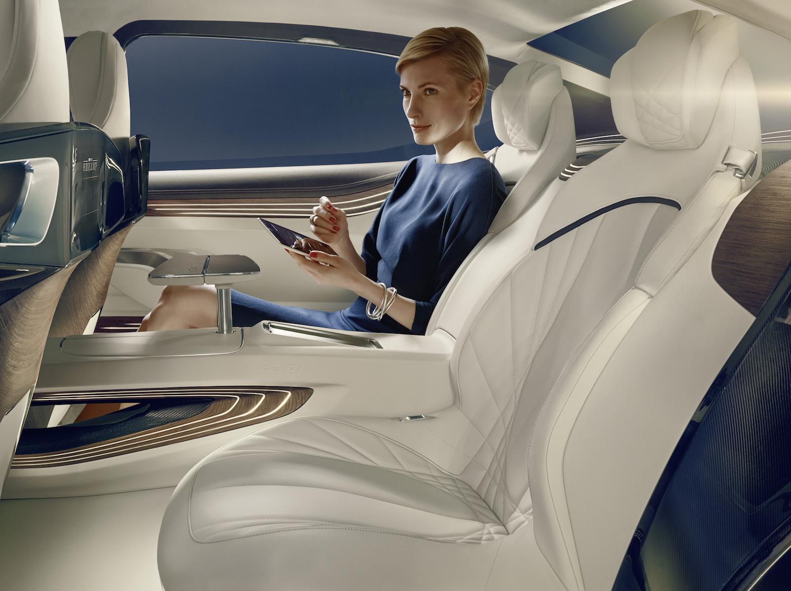 bmw-vision-future-luxury_100475106_h