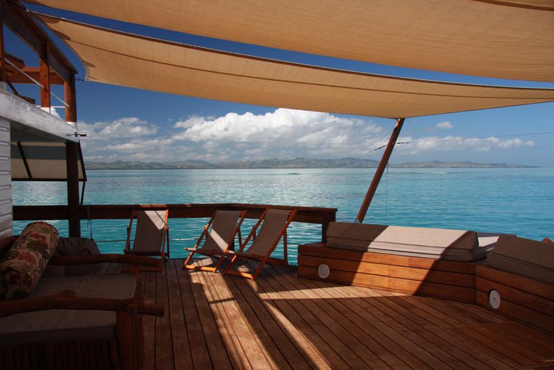 cloud-9-fiji-floating-bar-in-the-middle-of-the-ocean-14