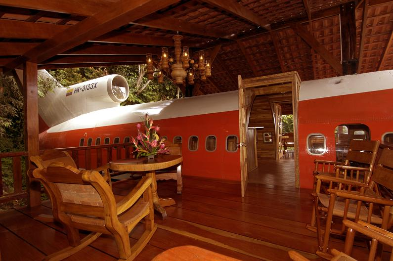 costa-verde-airplane-room-costa-rica