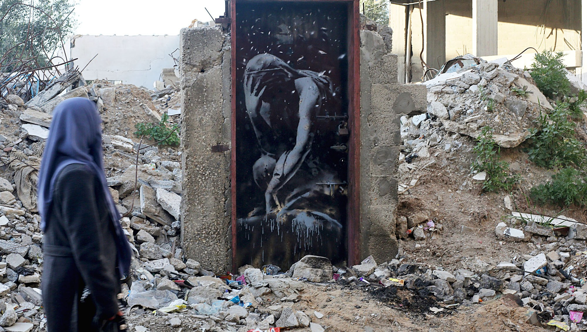 Presumed Banksy mural in Gaza