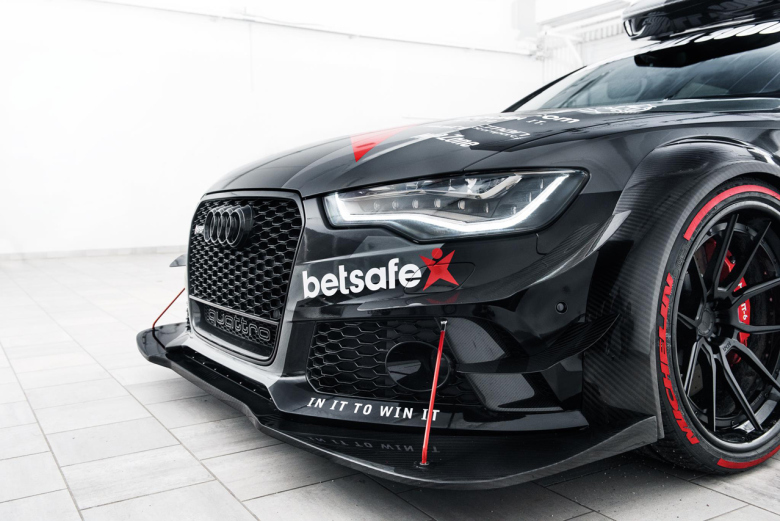 jon-olsson-unveils-his-new-audi-rs6-dtm-2