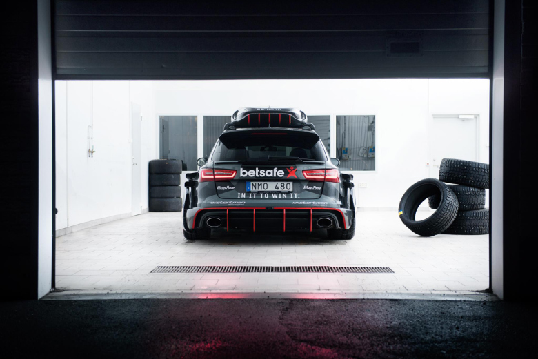 jon-olsson-unveils-his-new-audi-rs6-dtm-4