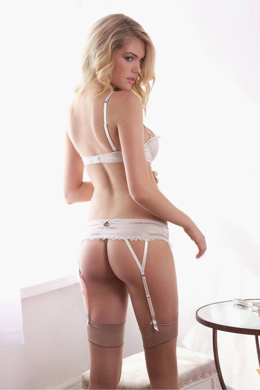 kate-upton-poses-for-the-men-magazine-2