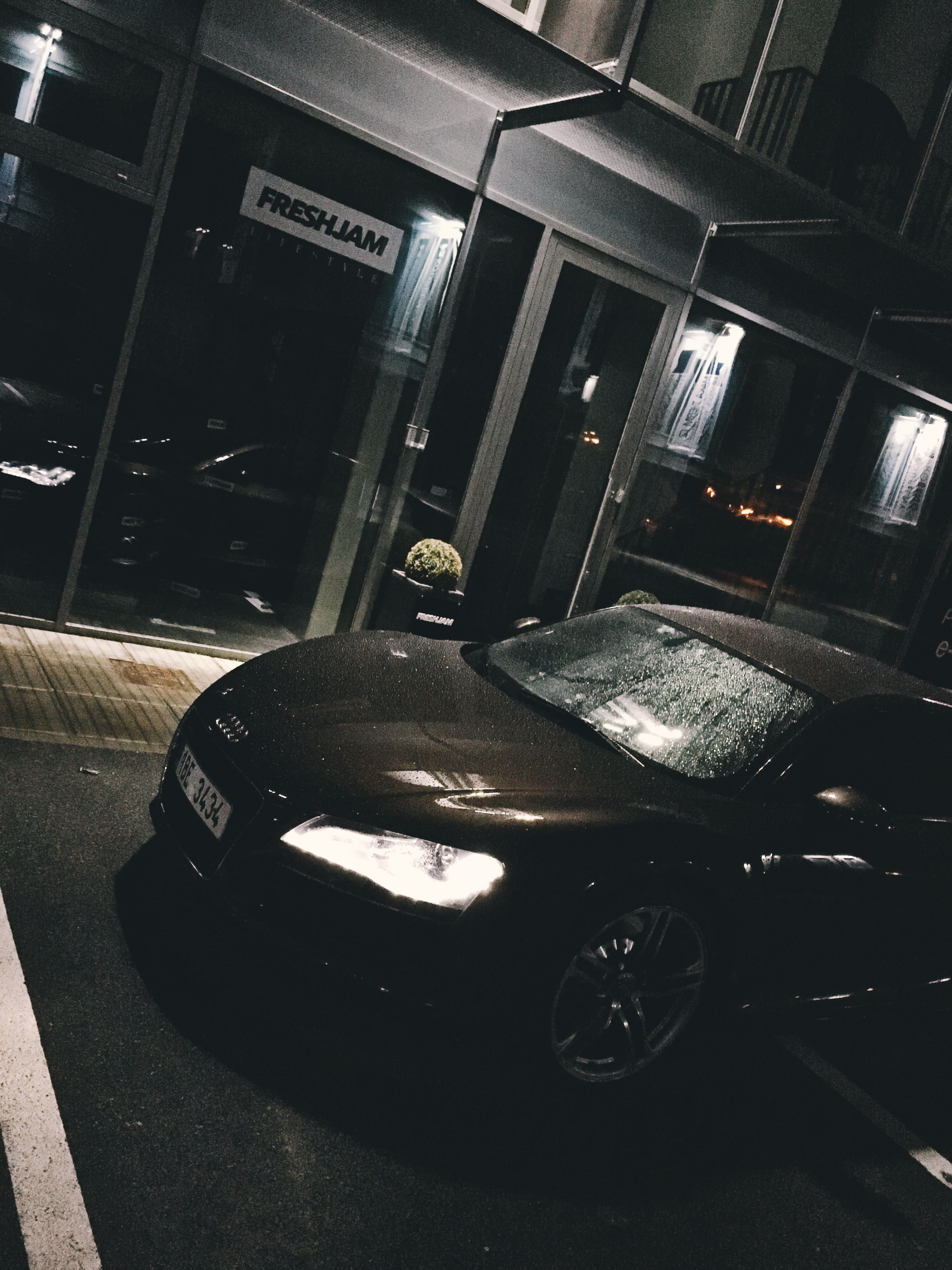 Late nights R8