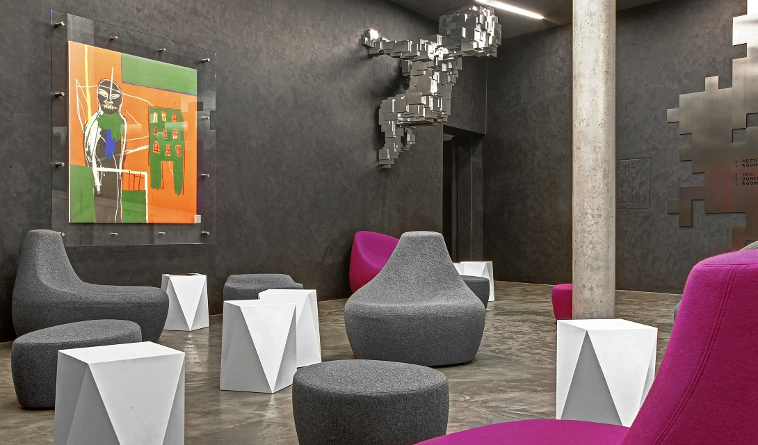 miura-hotel-lobby-chairs-interior-design-M-12-r