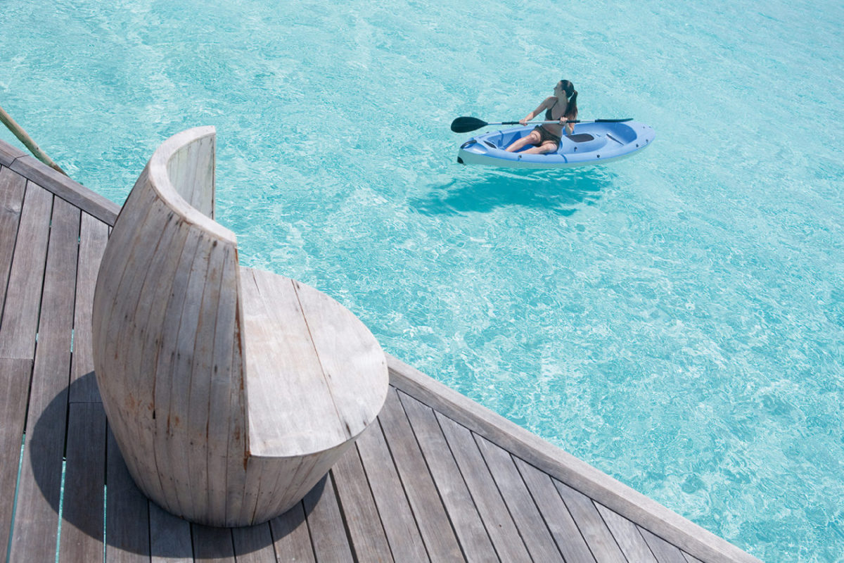 moofushi-maldives-water-activities-kayak-1
