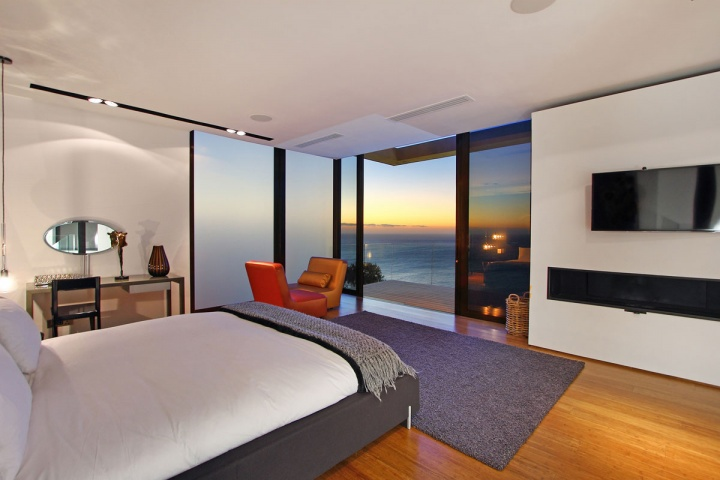 night-guest-bedroom-ocean-view