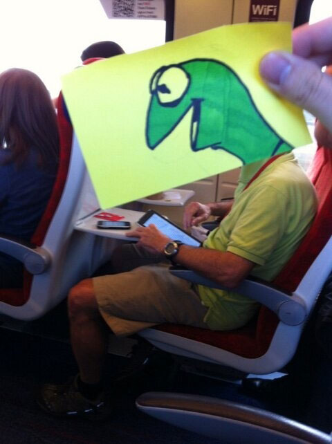 october-jones-gives-people-cartoon-faces-on-train-ride-to-work-2