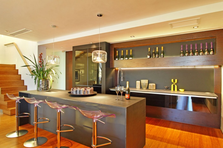 open-kitchen-bar-space