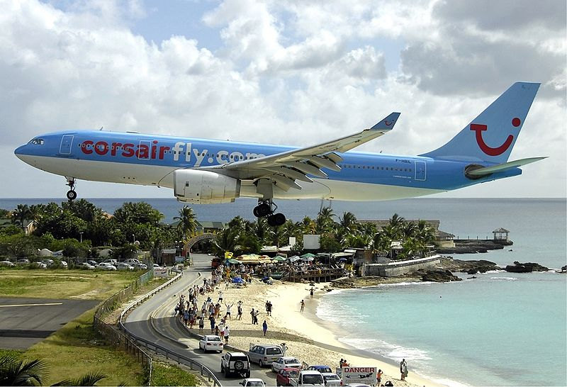 princess-juliana-international-airport-maho-beach