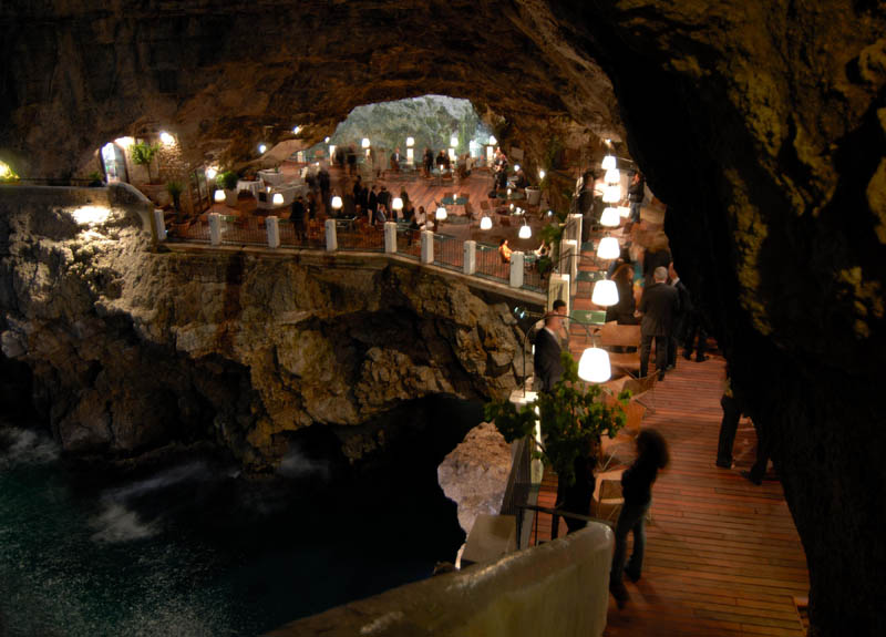 restaurant-inside-a-cave-cavern-itlay-grotta-palazzese-10