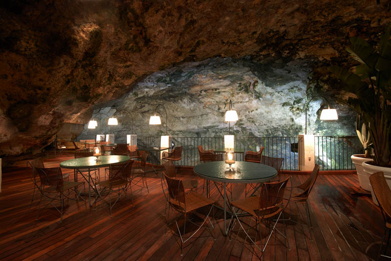 restaurant-inside-a-cave-cavern-itlay-grotta-palazzese-6