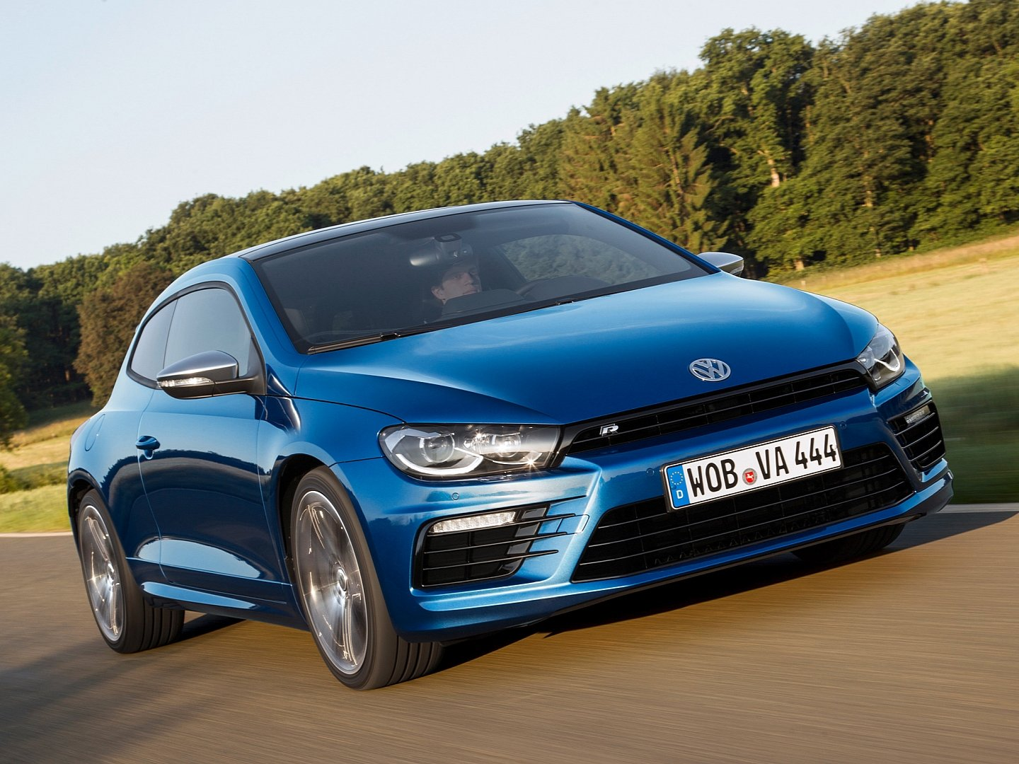 scirocco-radditional-20-ps-accelerates-06-seconds-faster-to-100-km-h-than-its-predecessor-1080p-5