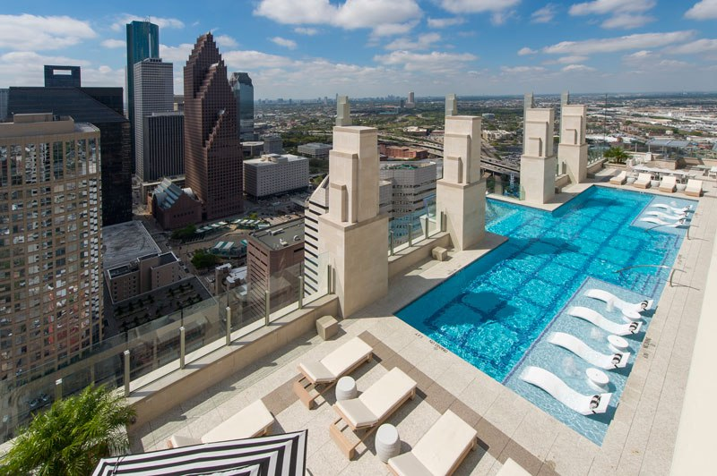 sky-pool-market-square-tower-houston-4