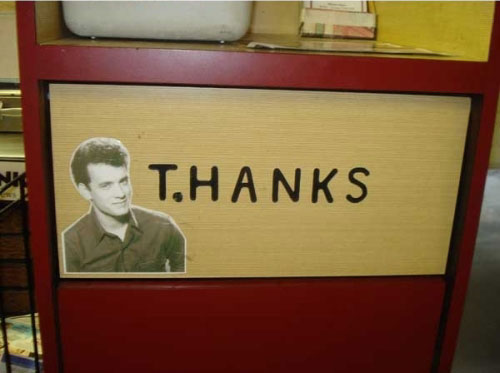 tom-hanks-thanks-garbage-sign-funny