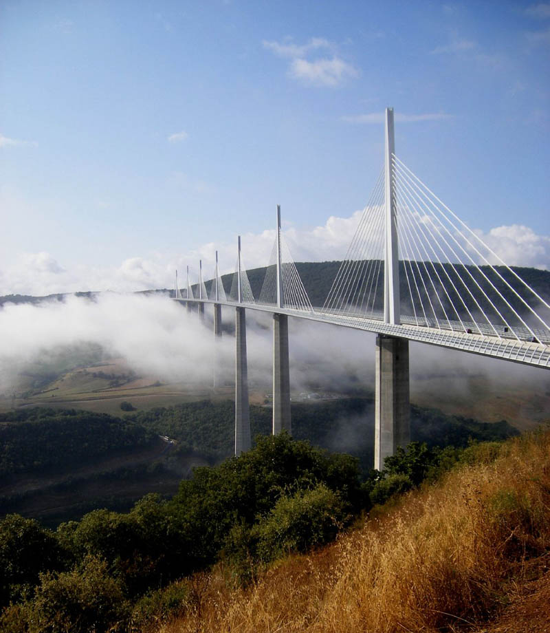 worlds-tallest-bridge-millau-viaduct-france-10