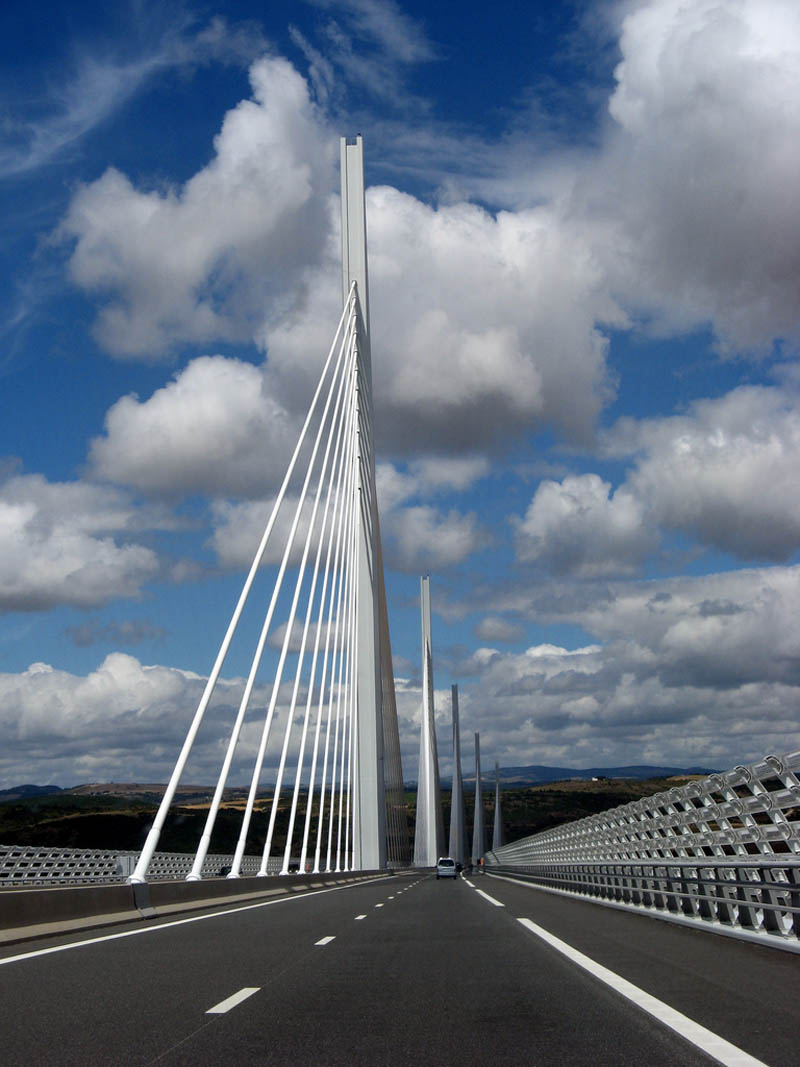worlds-tallest-bridge-millau-viaduct-france-15