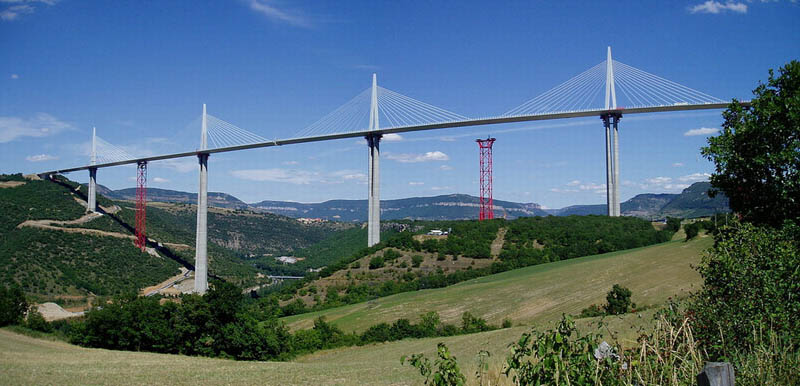 worlds-tallest-bridge-millau-viaduct-france-16