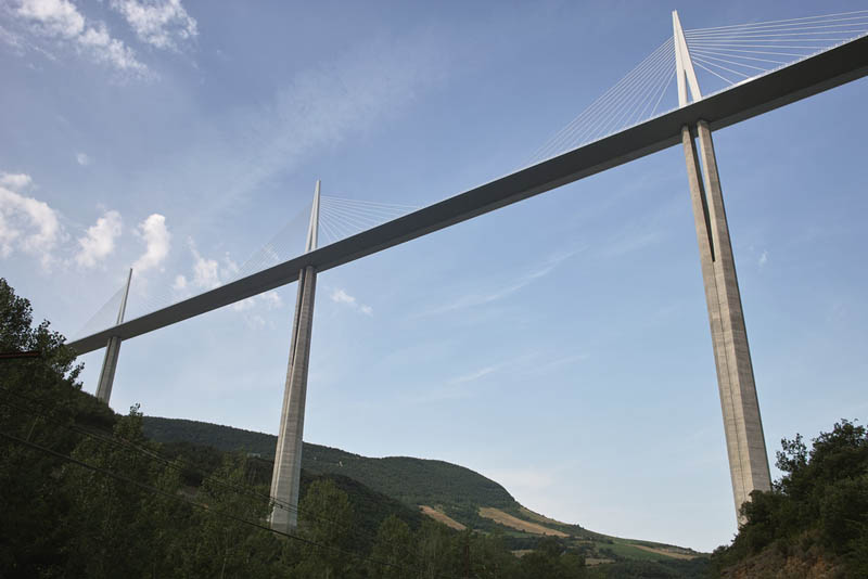 worlds-tallest-bridge-millau-viaduct-france-18