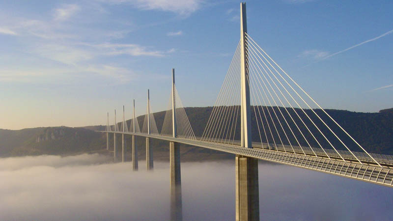 worlds-tallest-bridge-millau-viaduct-france-2