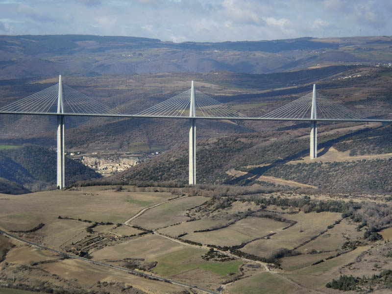 worlds-tallest-bridge-millau-viaduct-france-4